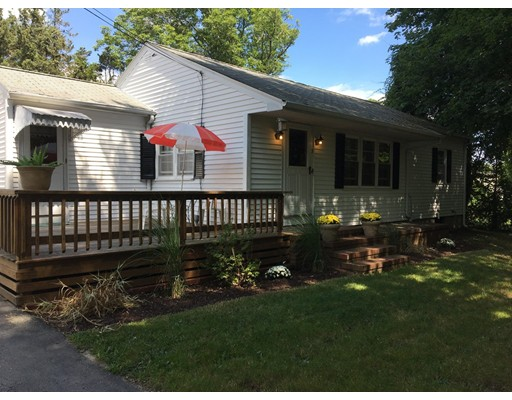 Single Family Home for Sale at 7 CLOVER STREET Dartmouth, Massachusetts 02748 United States
