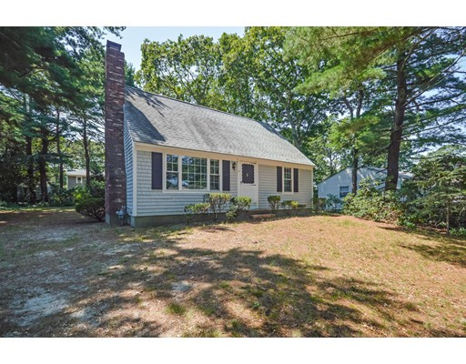 Single Family Home for Sale at 11 Croyden Drive Falmouth, Massachusetts 02536 United States