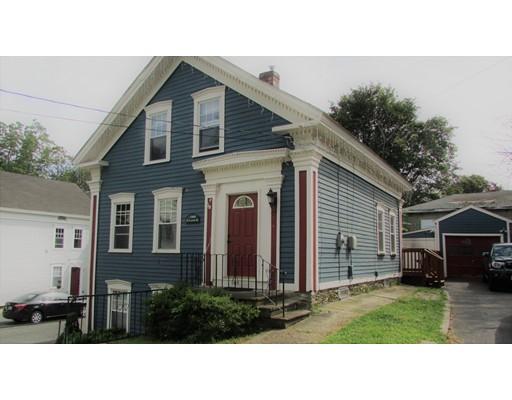 Maison unifamiliale pour l Vente à 12 Lewis Street Woonsocket, Rhode Island 02895 États-Unis