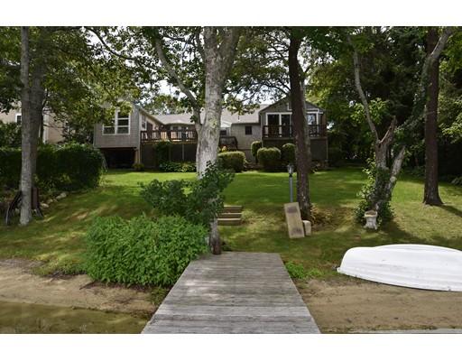 Casa Unifamiliar por un Venta en 73 Indian Memorial Drive 73 Indian Memorial Drive Yarmouth, Massachusetts 02664 Estados Unidos