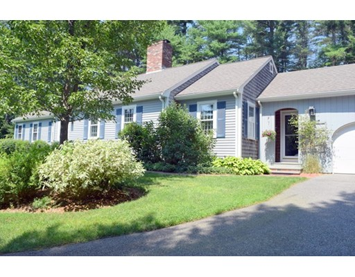 واحد منزل الأسرة للـ Sale في 16 Brook Street Plympton, Massachusetts 02367 United States