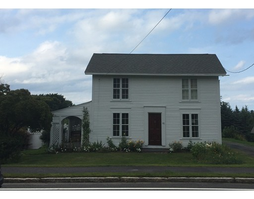 Maison unifamiliale pour l Vente à 92 Main Street 92 Main Street Blandford, Massachusetts 01008 États-Unis