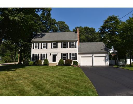 Maison unifamiliale pour l Vente à 29 Buena Vista Drive Attleboro, Massachusetts 02703 États-Unis