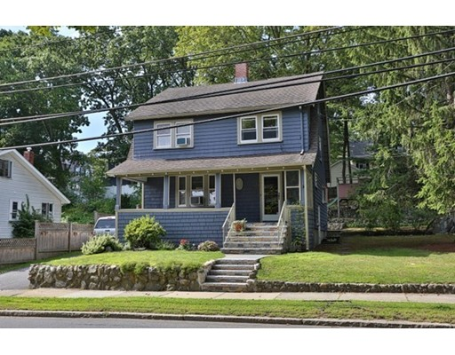 Casa Unifamiliar por un Venta en 234 W Wyoming Avenue Melrose, Massachusetts 02176 Estados Unidos