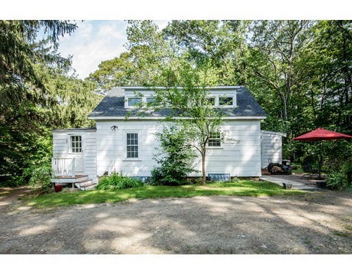Single Family Home for Sale at 147 Highland Street Hamilton, Massachusetts 01982 United States