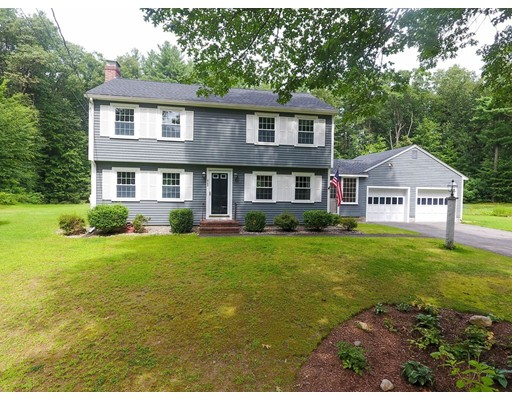 Casa Unifamiliar por un Venta en 503 Lowell Road Groton, Massachusetts 01450 Estados Unidos