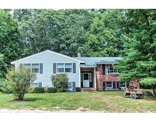 Casa Unifamiliar por un Venta en 7 Laredo Drive Chelmsford, Massachusetts 01824 Estados Unidos