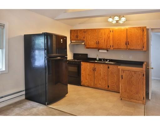 Частный односемейный дом для того Продажа на 18 Oak Circle Amesbury, Массачусетс 01913 Соединенные Штаты