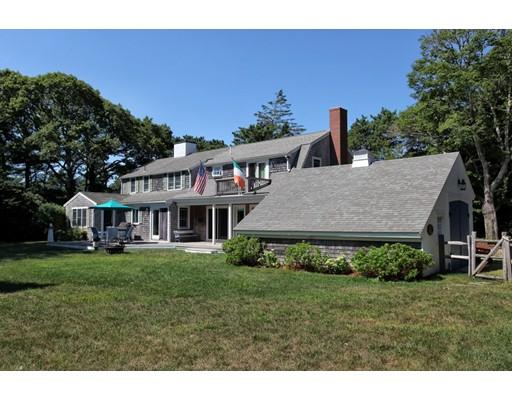واحد منزل الأسرة للـ Sale في 1 Thayer Street Falmouth, Massachusetts 02536 United States