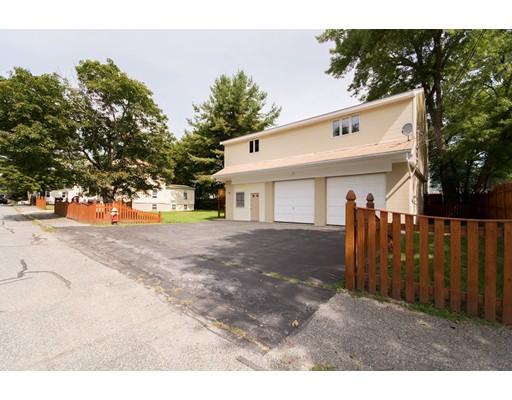 متعددة للعائلات الرئيسية للـ Sale في 21 Essex Street Bellingham, Massachusetts 02019 United States
