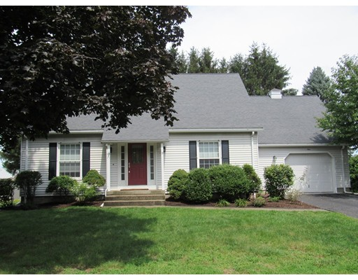 واحد منزل الأسرة للـ Sale في 9 Gross Lane Easthampton, Massachusetts 01027 United States