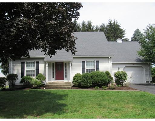 Частный односемейный дом для того Продажа на 9 Gross Lane Easthampton, Массачусетс 01027 Соединенные Штаты