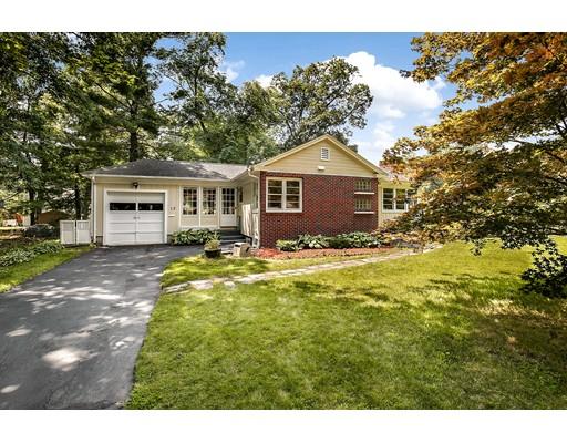 Casa Unifamiliar por un Venta en 12 Lynn Avenue Chelmsford, Massachusetts 01863 Estados Unidos
