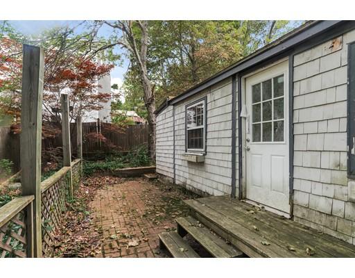 Maison unifamiliale pour l Vente à 55 Lake Street Billerica, Massachusetts 01821 États-Unis