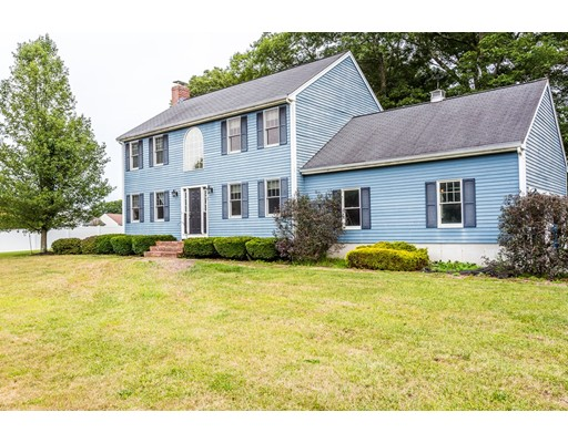 独户住宅 为 销售 在 11 Rising Sun Lane West Bridgewater, 马萨诸塞州 02379 美国