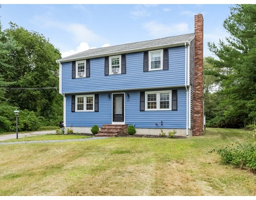 واحد منزل الأسرة للـ Sale في 29 Hudson Street Halifax, Massachusetts 02338 United States
