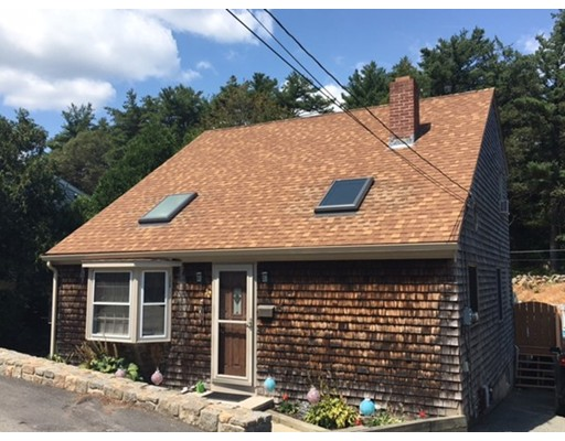واحد منزل الأسرة للـ Sale في 5 Lyndale Avenue Gloucester, Massachusetts 01930 United States