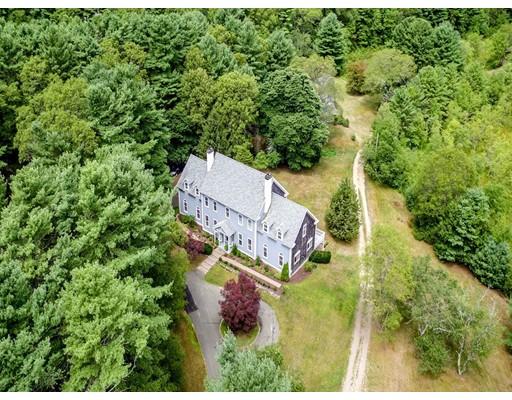 Maison unifamiliale pour l Vente à 154 Birch Street Duxbury, Massachusetts 02332 États-Unis