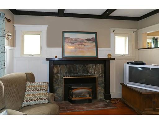 Maison unifamiliale pour l Vente à 42 Eastern Avenue Beverly, Massachusetts 01915 États-Unis