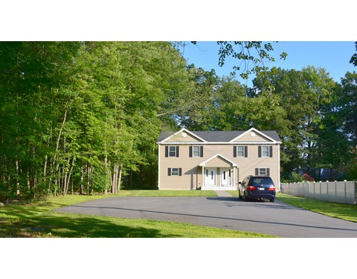متعددة للعائلات الرئيسية للـ Sale في 70 Lesure Avenue Lunenburg, Massachusetts 01462 United States