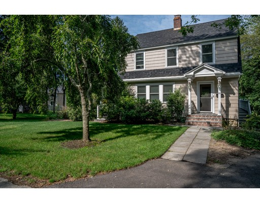 10 Sunset Rd, Bedford, MA 01730