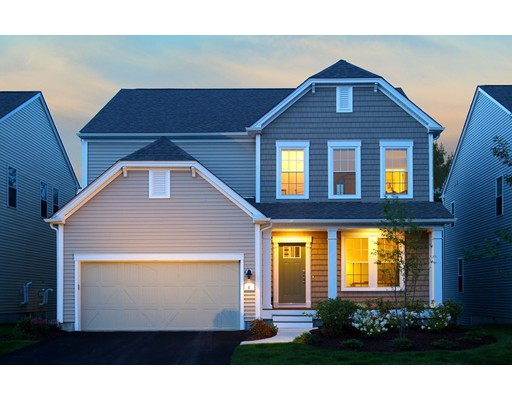 Maison unifamiliale pour l Vente à 224 Stonehaven Drive Weymouth, Massachusetts 02190 États-Unis