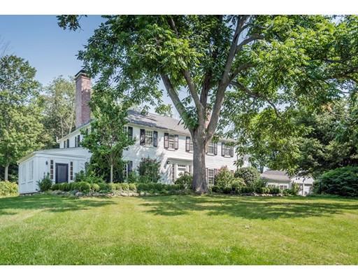 Maison unifamiliale pour l Vente à 16 W Knoll Road Andover, Massachusetts 01810 États-Unis