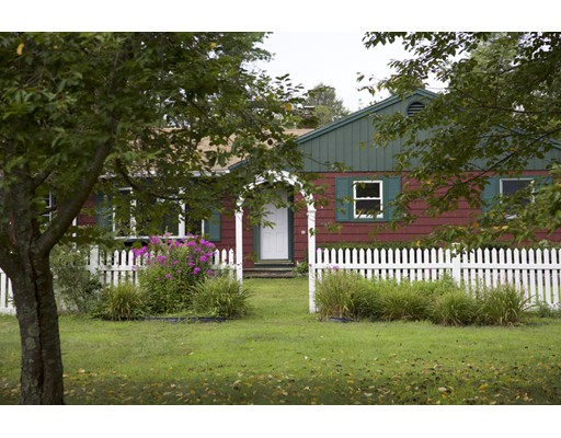 Single Family Home for Sale at 6 Bearskin Farm Road North Smithfield, Rhode Island 02896 United States