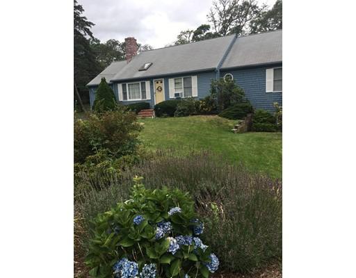 Maison unifamiliale pour l Vente à 8 Marshview Road Harwich, Massachusetts 02645 États-Unis