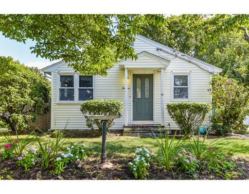 واحد منزل الأسرة للـ Sale في 14 Winfield Street Dedham, Massachusetts 02026 United States