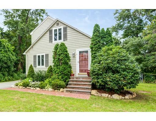 Частный односемейный дом для того Продажа на 9 Oregon Road 9 Oregon Road Southborough, Массачусетс 01772 Соединенные Штаты