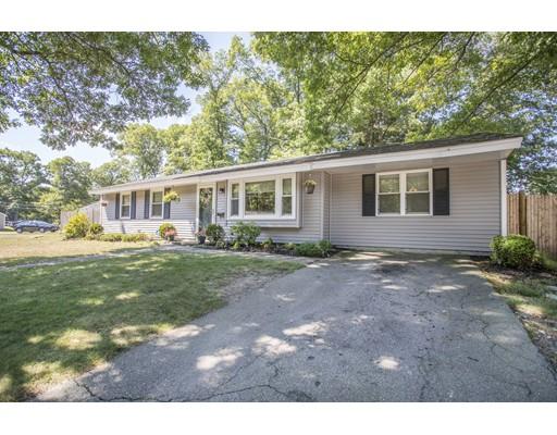 Частный односемейный дом для того Продажа на 90 Deanna Road Brockton, Массачусетс 02302 Соединенные Штаты