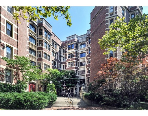 Appartement en copropriété pour l Vente à 992 Memorial Drive Cambridge, Massachusetts 02138 États-Unis