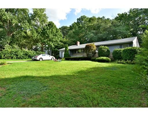 واحد منزل الأسرة للـ Sale في 14 Sarah Street Burlington, Massachusetts 01803 United States
