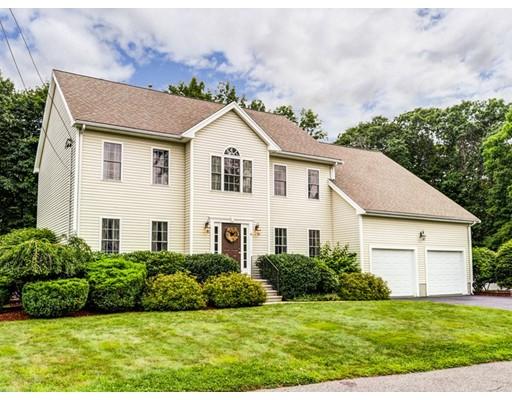 Maison unifamiliale pour l Vente à 8 Raymond Drive Attleboro, Massachusetts 02703 États-Unis