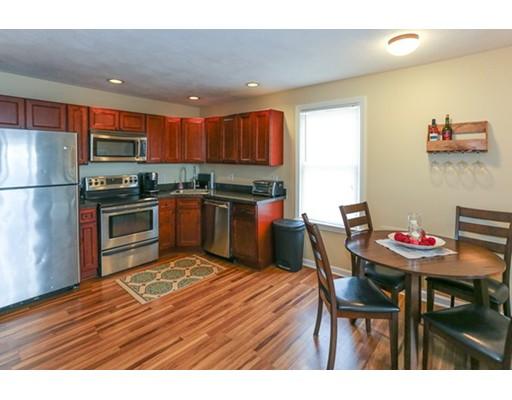 شقة بعمارة للـ Sale في 28 Claremont Ter #6 28 Claremont Ter #6 Swampscott, Massachusetts 01907 United States