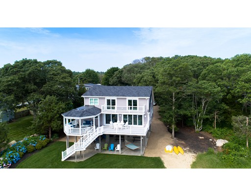 Single Family Home for Sale at 70 Aucoot Road 70 Aucoot Road Mattapoisett, Massachusetts 02739 United States