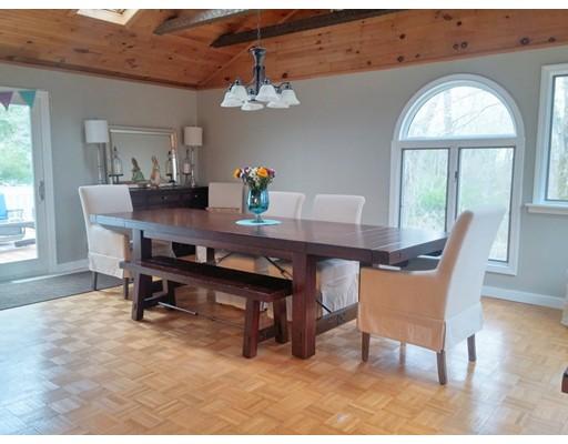 واحد منزل الأسرة للـ Sale في 14 Porter Street Easton, Massachusetts 02375 United States