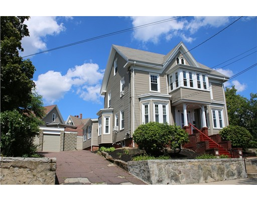Casa Multifamiliar por un Venta en 12 Seaview Avenue Malden, Massachusetts 02148 Estados Unidos