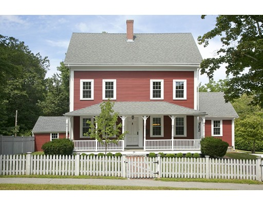 واحد منزل الأسرة للـ Sale في 29 Hobart Street Hingham, Massachusetts 02043 United States