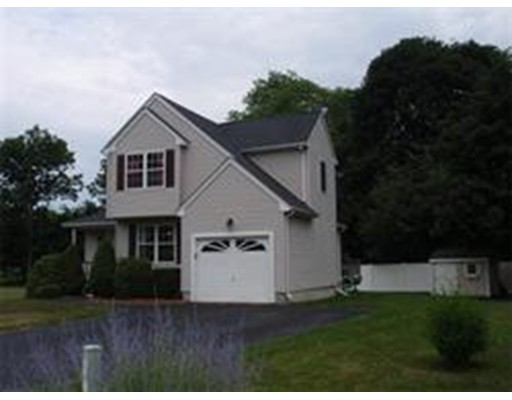 Maison unifamiliale pour l à louer à 74 Palomino Drive Franklin, Massachusetts 02038 États-Unis