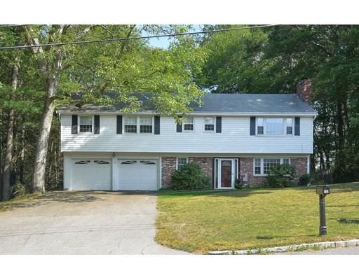 Maison unifamiliale pour l Vente à 16 Currier Drive Framingham, Massachusetts 01701 États-Unis