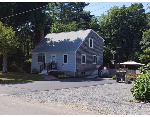 Maison unifamiliale pour l Vente à 16 Pope Street Carver, Massachusetts 02330 États-Unis