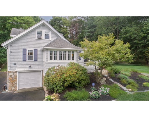 39 Jones St, Hingham, MA 02043