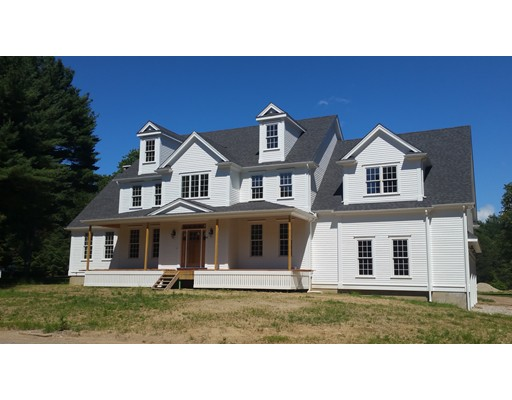 Single Family Home for Sale at 219 North Street Medfield, Massachusetts 02052 United States