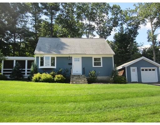 Single Family Home for Sale at 32 Oakridge Avenue Natick, Massachusetts 01760 United States