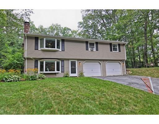 Maison unifamiliale pour l Vente à 23 INSTITUTE ROAD Grafton, Massachusetts 01536 États-Unis