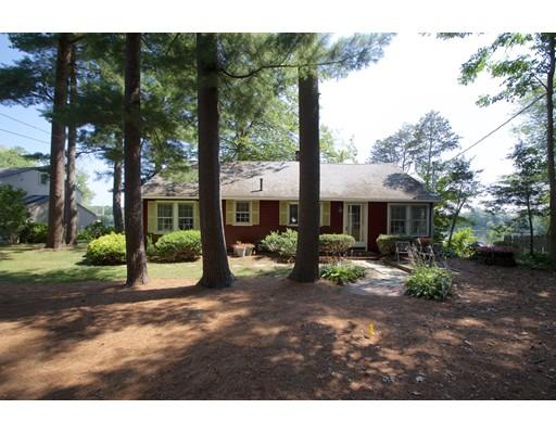 独户住宅 为 销售 在 279 Lakeside Road Hanson, 马萨诸塞州 02341 美国