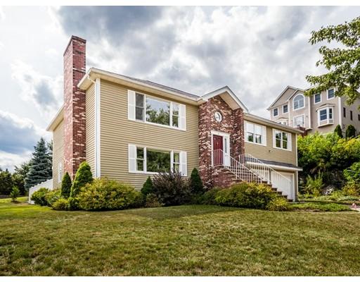 Maison unifamiliale pour l Vente à 4 Roseanna Park Drive Waltham, Massachusetts 02452 États-Unis