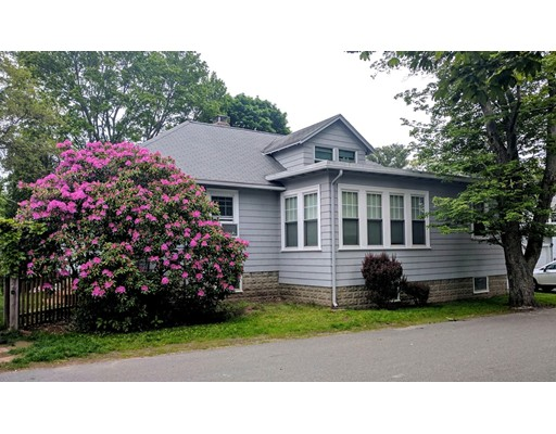 Maison unifamiliale pour l Vente à 105 Herrick Street Beverly, Massachusetts 01915 États-Unis